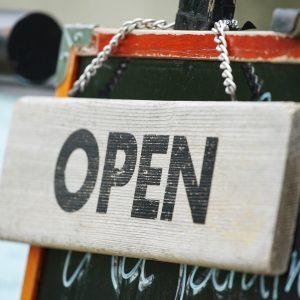 カフェ・喫茶店の開業資金はいくら?3タイプの開店資金が一目で分かる一覧表